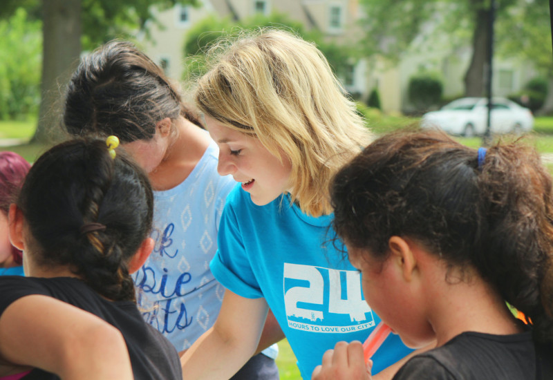 University volunteering, a trend among students