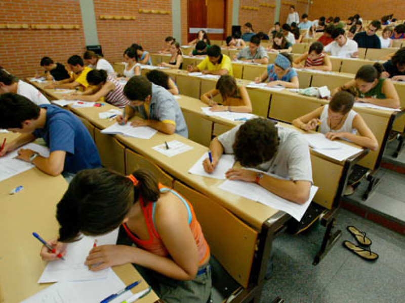 Exams in sight!: Program the success of studying in Barcelona.